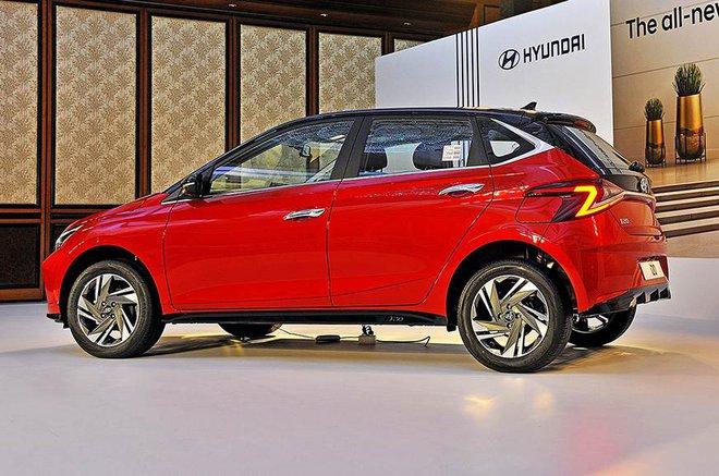 Cận cảnh những hình ảnh đầu tiên của Hyundai i20 giá từ 211 triệu đồng - Ảnh 4.