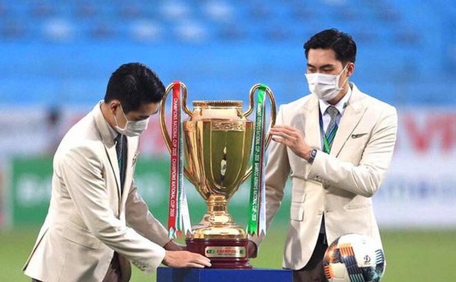 Vòng cuối V.League 2020: BTC chuẩn bị sẵn 2 cúp vô địch