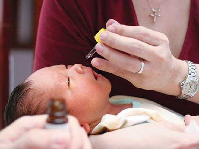 BS Việt ở Mỹ: Cha mẹ lạm dụng thuốc nhỏ mũi loại này coi chừng con ngộ độc! - Ảnh 1.