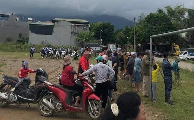 Lào Cai: Tạm giữ ông lão 73 tuổi vì tình nghi hiếp dâm bé gái 13 tuổi ở sân bóng