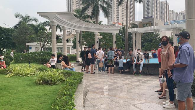 Công an nhận định nguyên nhân ban đầu vụ người phụ nữ bị đứt lìa đầu ở chung cư tại Sài Gòn - Ảnh 2.