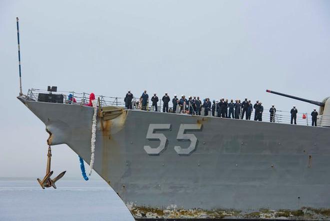 Cuộc sống trên tàu chiến hải quân Mỹ đi biển liên tục 215 ngày ra sao? - Ảnh 2.