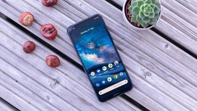 Top 3 điện thoại 5G đời mới đang có giá tốt, chiếc rẻ nhất giảm tới 3,5 triệu đồng - Ảnh 2.
