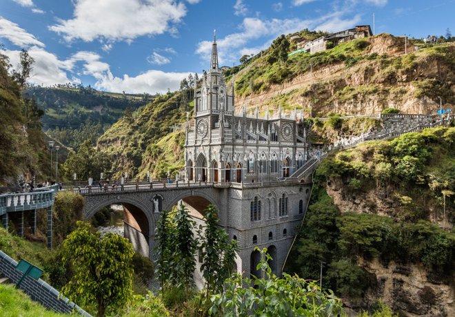 Những cây cầu mang truyền thuyết đáng sợ và bí ẩn nhất thế giới - Ảnh 2.