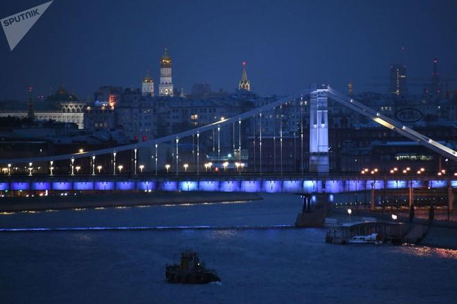 Những cây cầu mang truyền thuyết đáng sợ và bí ẩn nhất thế giới - Ảnh 14.