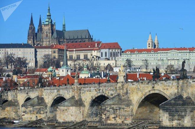 Những cây cầu mang truyền thuyết đáng sợ và bí ẩn nhất thế giới - Ảnh 17.