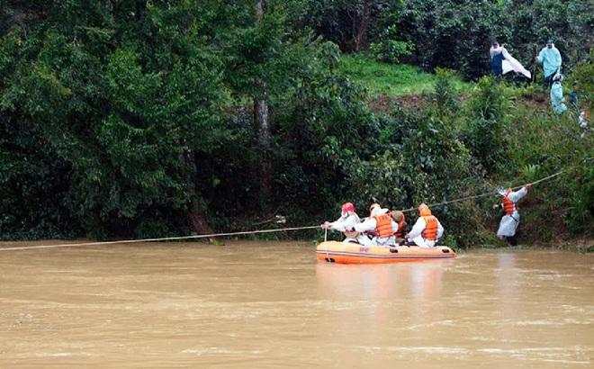 Tìm thấy ba lô của 2 nữ du khách mất tích ở Lâm Đồng
