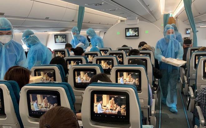 Đại diện Vietnam Airlines: Chờ nam tiếp viên khỏi bệnh COVID-19 sẽ đưa ra hướng kỷ luật nghiêm