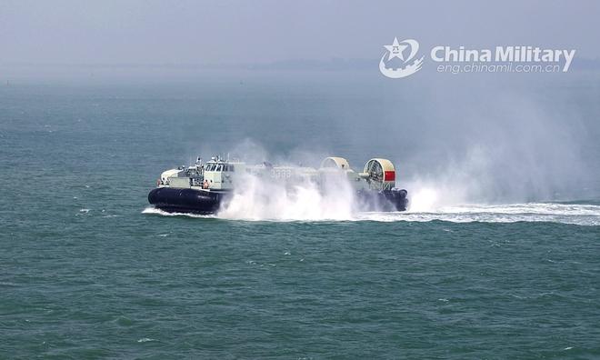 Biển Đông: PLA gầm ghè tàu sân bay trực thăng Mỹ, Hoàn Cầu cảnh báo gắt về chính quyền Biden - Ảnh 3.