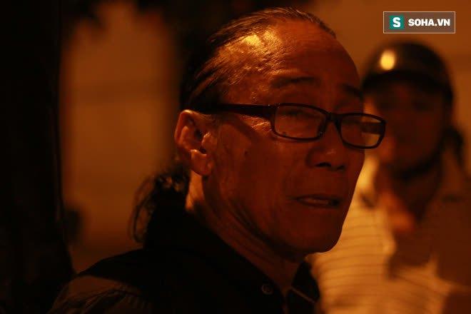Tiếng hát nghẹn lúc 2h sáng tiễn biệt Chí Tài: Tình bạn 40 năm và bài ca cuối cùng - Ảnh 4.