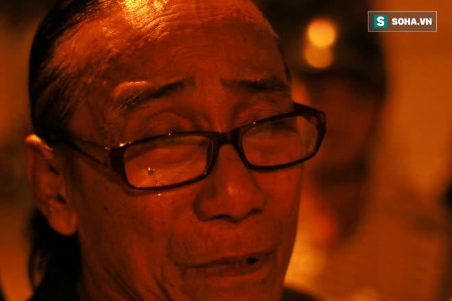 Tiếng hát nghẹn lúc 2h sáng tiễn biệt Chí Tài: Tình bạn 40 năm và bài ca cuối cùng - Ảnh 1.