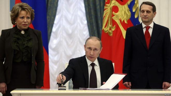 Crimea đang khiến Nga mất nhiều hơn được: Cái giá quá đắt sẽ châm ngòi chiến tranh với Ukraine? - Ảnh 1.
