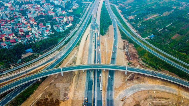 Nhìn gần nút giao 400 tỷ đồng sắp hoàn thiện ở Hà Nội - Ảnh 9.