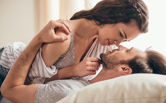 """Thủ dâm trước khi quan hệ tình dục có giúp kéo dài thời gian """"yêu""""?"""