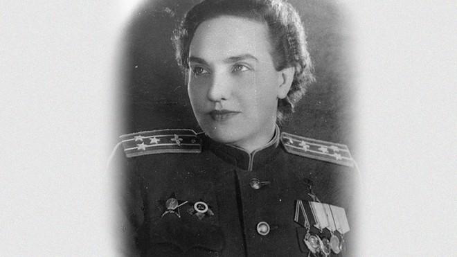 Nữ phi công không bao giờ được phong tướng vì ương bướng đối đầu với nguyên soái Liên Xô - Ảnh 2.