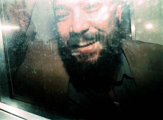 Tay sai trùm khủng bố Bin Laden được ra tù sớm vì quá béo - Ảnh 1.
