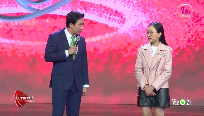 Siêu trí tuệ Việt Nam: Tài năng của cô gái khiến ban giám khảo lẫn khán giả vỡ oà vào giây phút cuối - Ảnh 1.