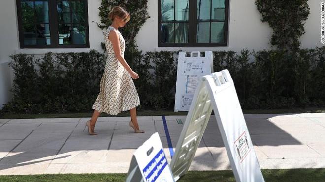 Bà ấy chỉ muốn về nhà: Bà Melania làm gì khi ông Trump tìm mọi cách ở lại Nhà Trắng? - Ảnh 2.