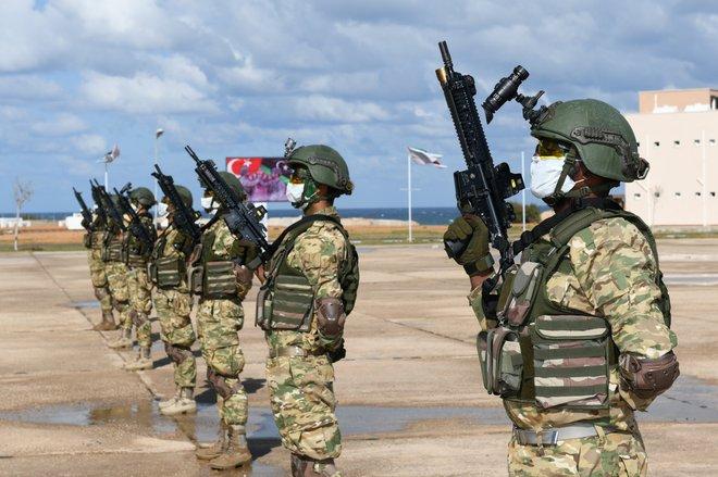 10 máy bay chở hàng bí mật của Nga tới Armenia trong tình hình nóng - Đặc nhiệm Thổ Nhĩ Kỳ lộ diện ở Azerbaijan? - Ảnh 1.