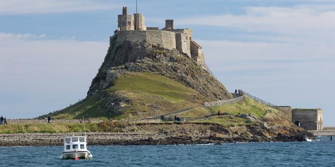 5 hòn đảo khác lạ có thể đi bộ đến thăm quan từ đất liền - Ảnh 2.