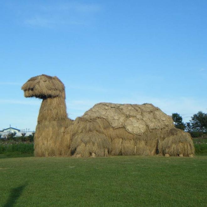 Kinh ngạc loạt quái vật rơm khổng lồ trên cánh đồng Nhật Bản - Ảnh 8.