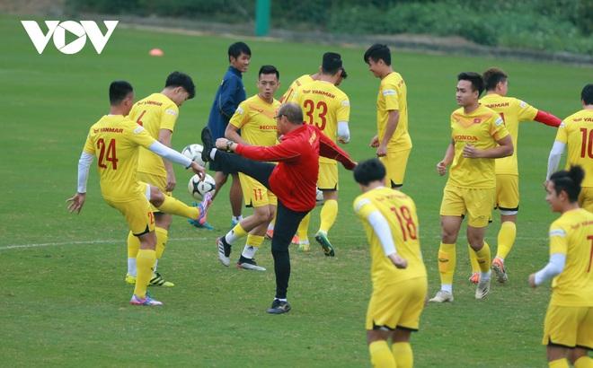 """Thầy Park liên tục """"ôm hận"""" trước kỹ thuật của dàn tuyển thủ Việt Nam"""