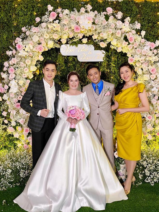 Hình ảnh đời thường của vợ diễn viên Quý Bình: Lúc sang chảnh khi lại giản dị bất ngờ - Ảnh 4.