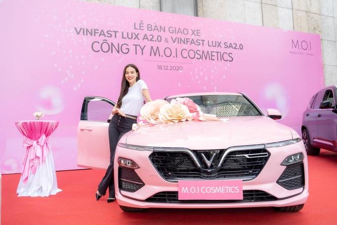 Hồ Ngọc Hà mua 1 lúc 4 xe Vinfast và dàn xế sang siêu khủng trị giá hơn 60 tỷ qua tay - Ảnh 2.
