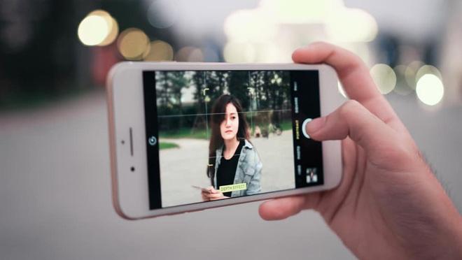 Mách bạn cách chụp ảnh bằng camera thường trên iPhone đẹp như ý - Ảnh 1.