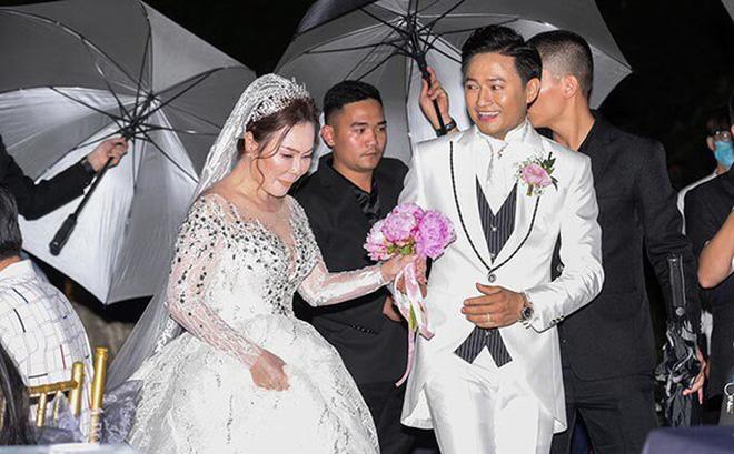 Tài năng như vợ đại gia của Quý Bình: Là CEO công ty địa ốc hàng đầu Phú Quốc, lướt sóng cổ phiếu 2 tháng kiếm cả tỷ đồng