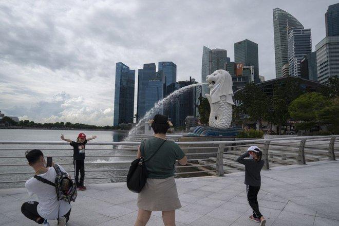 Singapore lần thứ hai trở thành anh hùng chống COVID-19 - Ảnh 1.