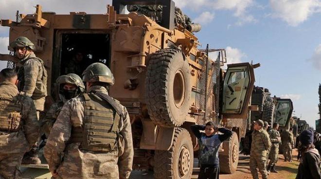 Nga dội mưa bom ở Syria, Thổ Nhĩ Kỳ tiếp tục tháo chạy khỏi Idlib - Ảnh 2.