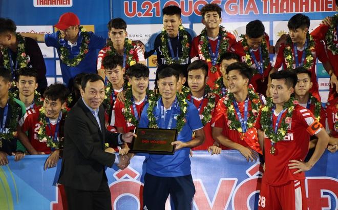 Khen ngợi dàn sao U22 Việt Nam, HLV Việt gửi thông điệp ý nghĩa tới tướng Park