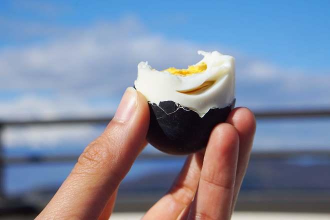 Loại trứng gà đen như than ăn 1 quả thọ thêm 7 năm, giá 200.000 đồng/quả - Ảnh 2.