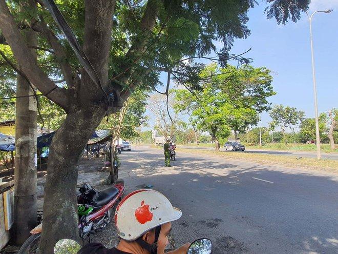 Lời khai của nhóm người vây đánh tới tấp rồi tông ngã CSGT ở Sài Gòn  - Ảnh 1.