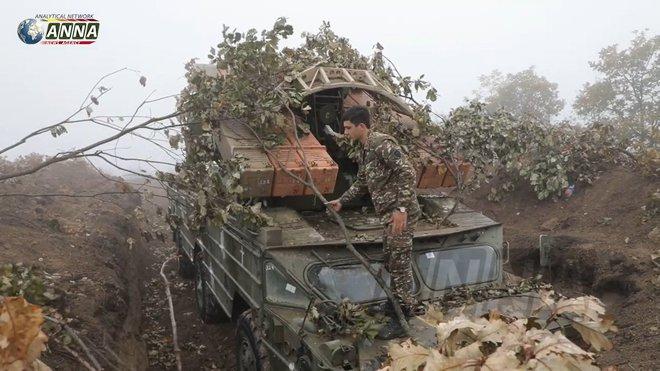 Hãy quên truyền thuyết về UAV Thổ ở Karabakh đi, QĐ Armenia thảm bại vì lý do khác? - Ảnh 2.