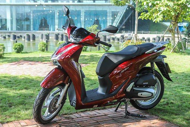 Giá xe Honda SH bất ngờ đảo chiều đầu tháng 12, khách Việt đổ xô đến đại lý tìm hiểu thực hư - Ảnh 4.