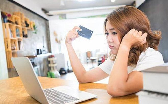 6 lý do khiến bạn dù có kiếm được cả trăm triệu/tháng vẫn nợ chồng chất không lối thoát, lý do số 6 là nỗi niềm chung của hàng trăm triệu người