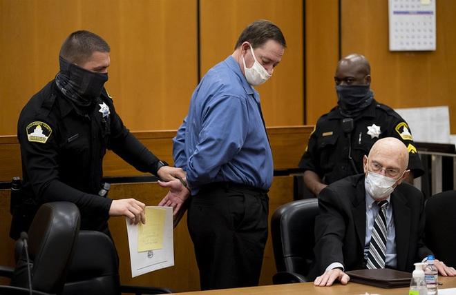 Kẻ cưỡng hiếp hàng loạt ở Mỹ lãnh 897 năm tù - ảnh 1
