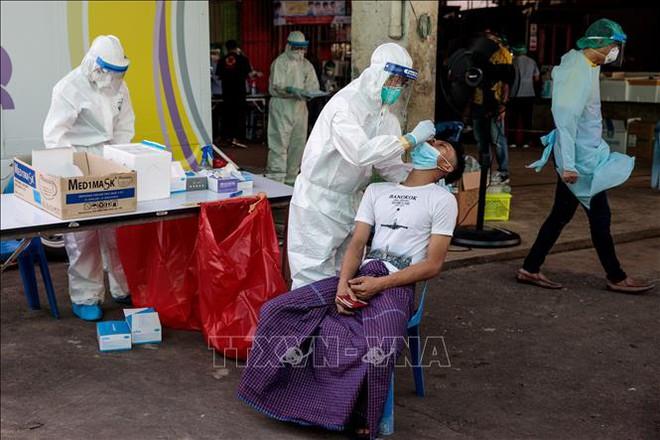 Diễn biến COVID-19 tới 6h sáng 21/12:Thế giới vượt 77 triệu ca bệnh; EU họp khẩn về biến thể của virus - Ảnh 7.
