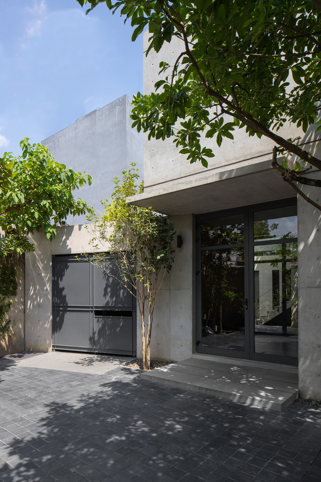 Căn nhà 290m2 chẳng mấy nổi bật tại Thanh Trì, Hà Nội lên báo ngoại - Ảnh 1.