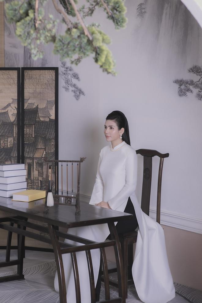 Thúy Hà, Quỳnh Hoa bất ngờ làm mẫu ảnh áo dài - Ảnh 5.