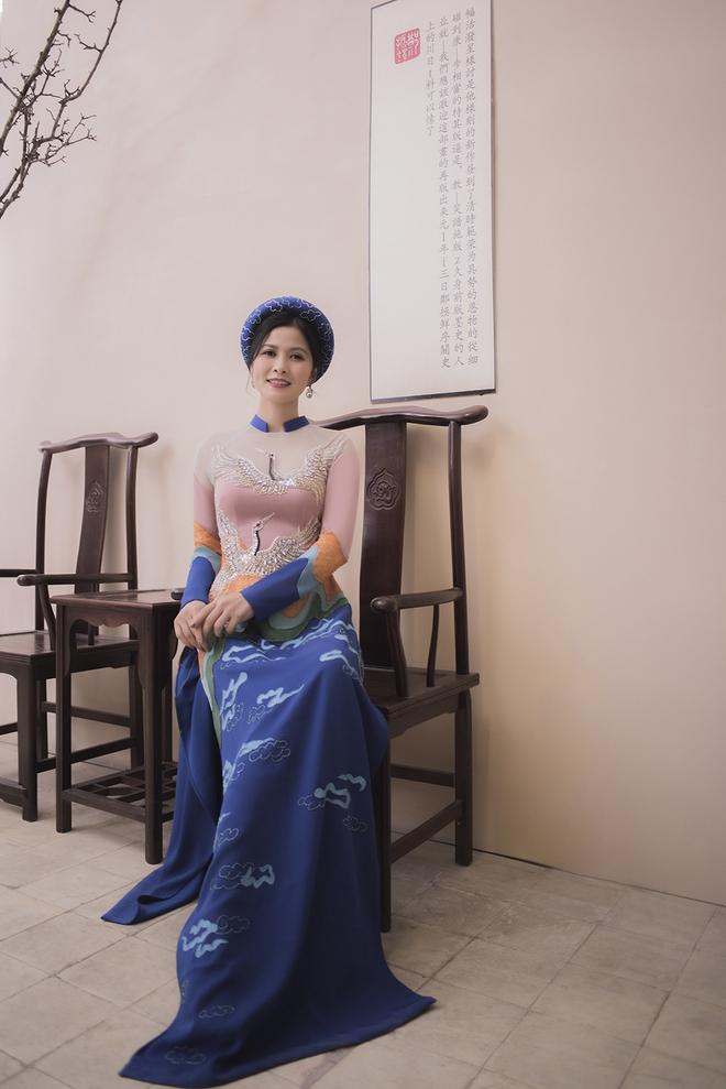 Thúy Hà, Quỳnh Hoa bất ngờ làm mẫu ảnh áo dài - Ảnh 8.
