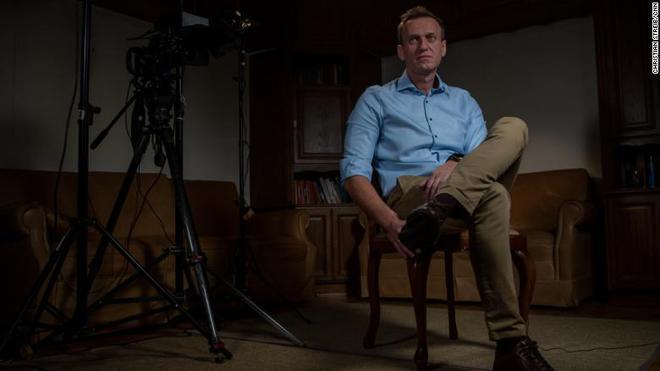 Quần lót tẩm độc: Ông Navalny dụ đặc vụ hé lộ chi tiết kinh ngạc, Nga đùng đùng phản bác - Ảnh 1.