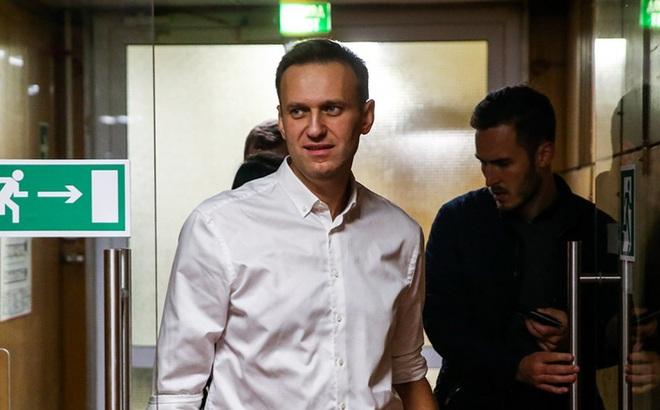 """""""Quần lót tẩm độc"""": Ông Navalny dụ đặc vụ hé lộ chi tiết kinh ngạc, Nga đùng đùng phản bác"""