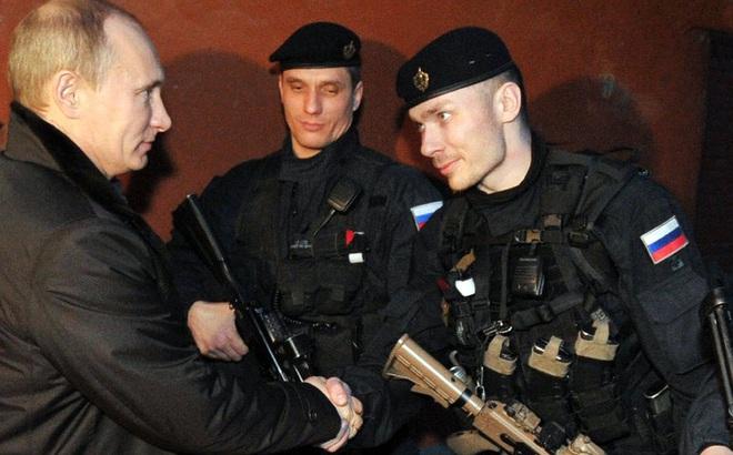 """Nhận lệnh của TT Putin, đặc nhiệm FSB cơ động bất ngờ ở Armenia: Đừng dại chọc """"gấu Nga""""!"""