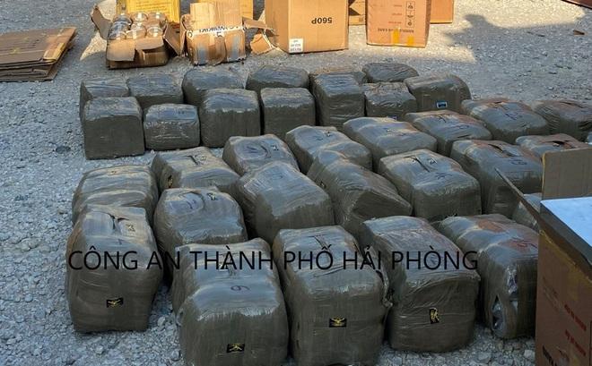 Thưởng 100 triệu đồng cho Công an TP Hải Phòng sau vụ bắt hơn nửa tấn ma túy trong container