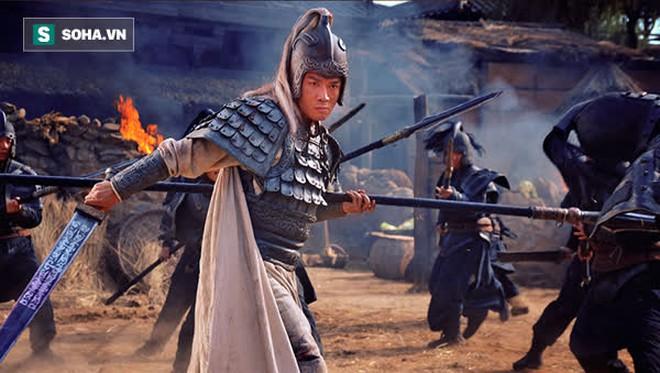 Thừa khả năng đoạt mạng Triệu Vân trong trận Trường Bản, tại sao Tào Tháo lại hạ lệnh không được bắn tên giết chết Tử Long? - Ảnh 2.