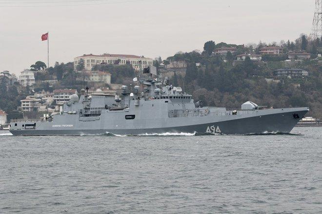 Tướng lĩnh Mỹ họp khẩn, chuẩn bị tấn công Iran: Chiến hạm, máy bay chờ lệnh - Có thể đóng cửa đại sứ quán ở Iraq - Ảnh 3.