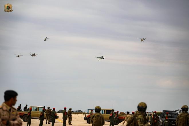 Quyết chiến ở Trung Đông: Lực lượng Mỹ vào vị trí, PK Iran sẵn sàng chiến đấu, Israel tập kích dọn đường - Ảnh 3.